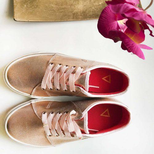 DIVADI-Manifest-Shoe-rose-comfortsneaker